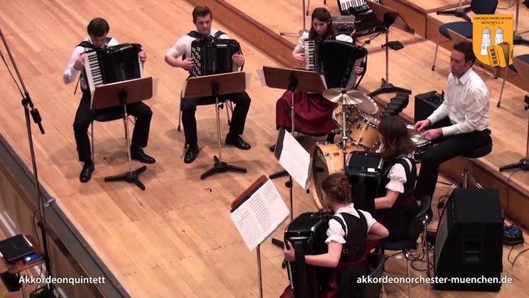 Sandstorm – wykonanie na 5 akordeonach