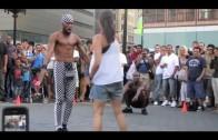 Występ ulicznych artystów w Nowym Jorku