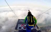 Skoki z Princess Tower w Dubaju