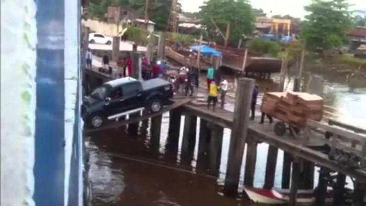 Brazylijski sposób na wjazd autem na prom