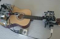 Lego robot który gra na gitarze